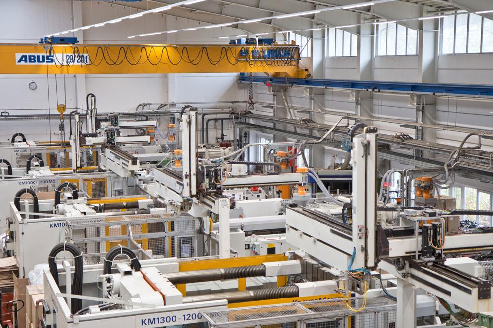 Fertigungshalle der Schmid GmbH von oben