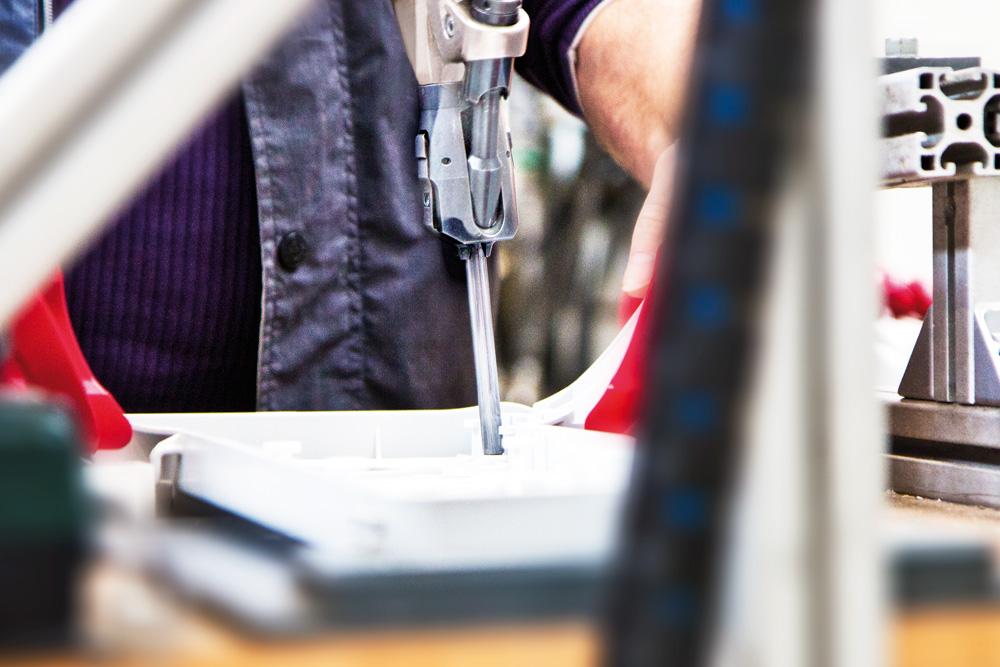 Funkenerosion, Laserschweißen, Werkzeugbau, Schmid Kunststofftechnik